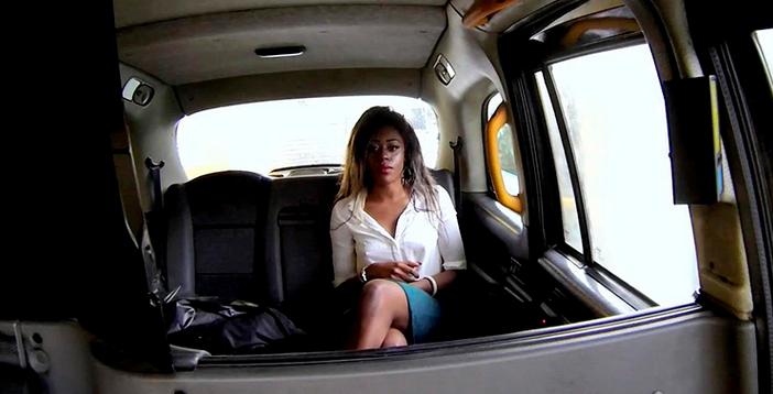 FakeTaxi – Maria, E203 (Full HD) Enfadada por San Valentín