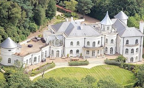 De tien duurste huizen van oud spelers voetbalprimeur - Tijdschriftenrek huis van de wereld ...