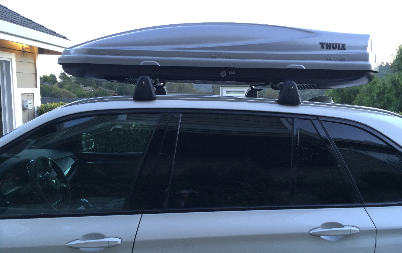 Oem Cross Bars On Roof Rails And Thule Cargo Box