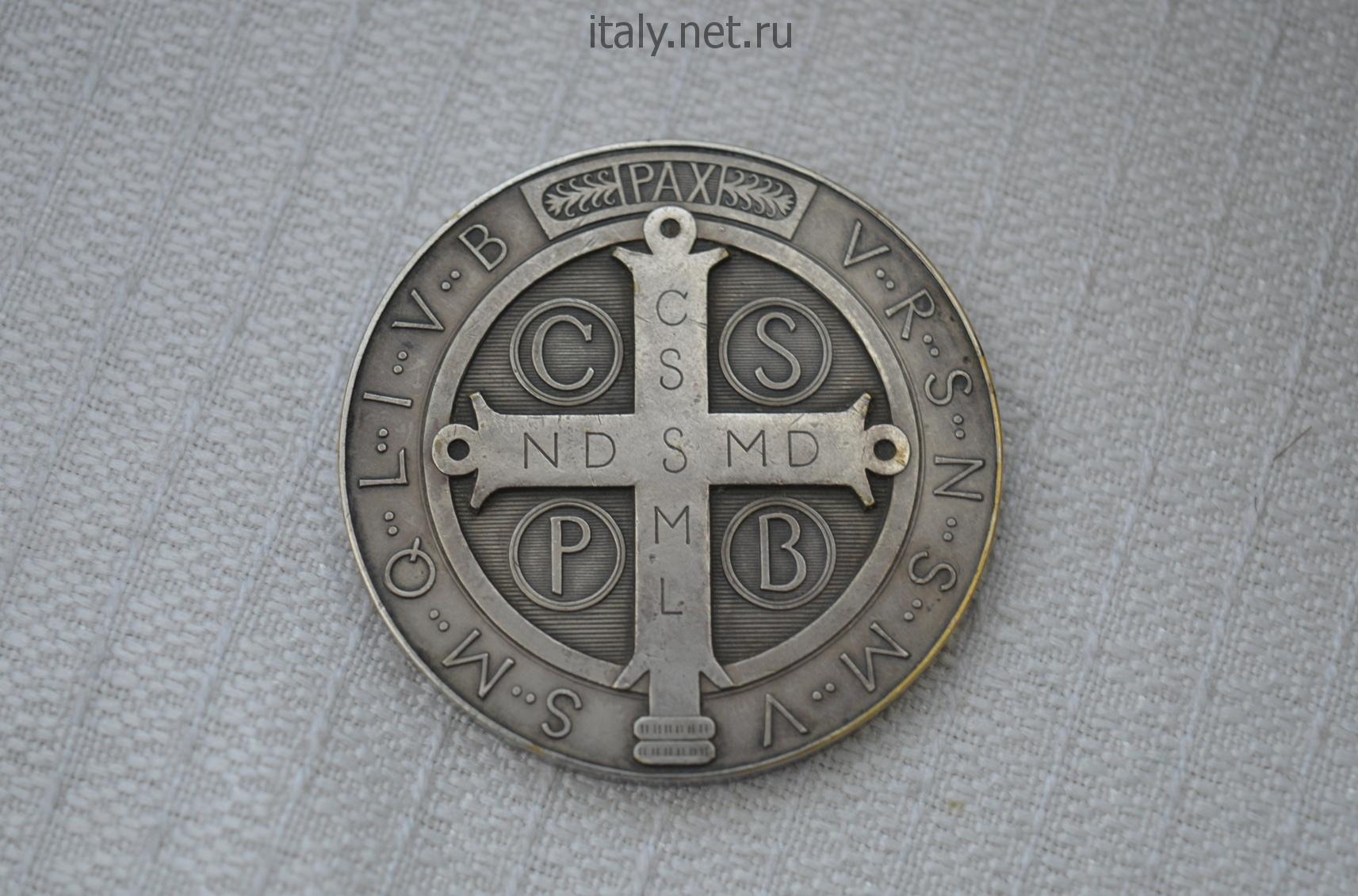 Итальянский антиквариат. Винтажный медальон старейшего католического монашеского ордена