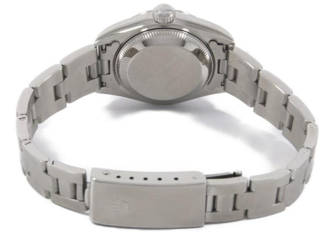 シルバーのロレックスの腕時計の裏面