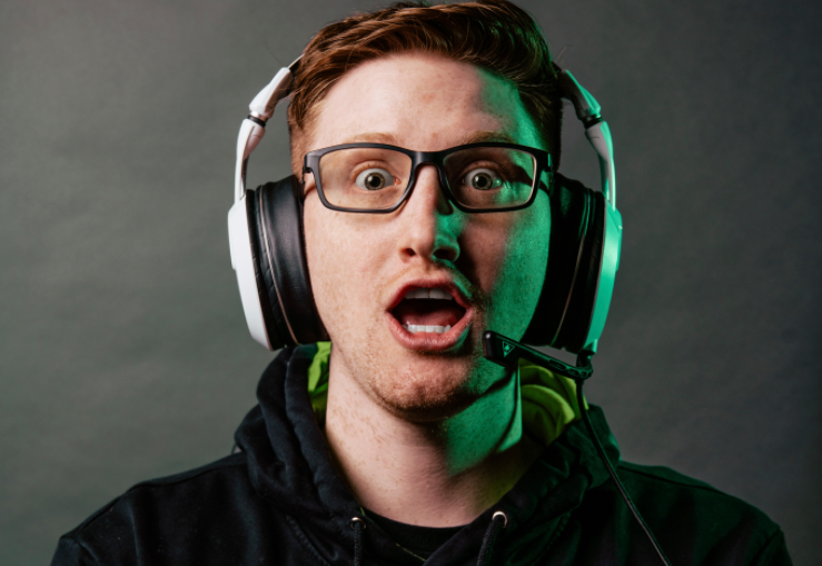 Scump signs with Oakley