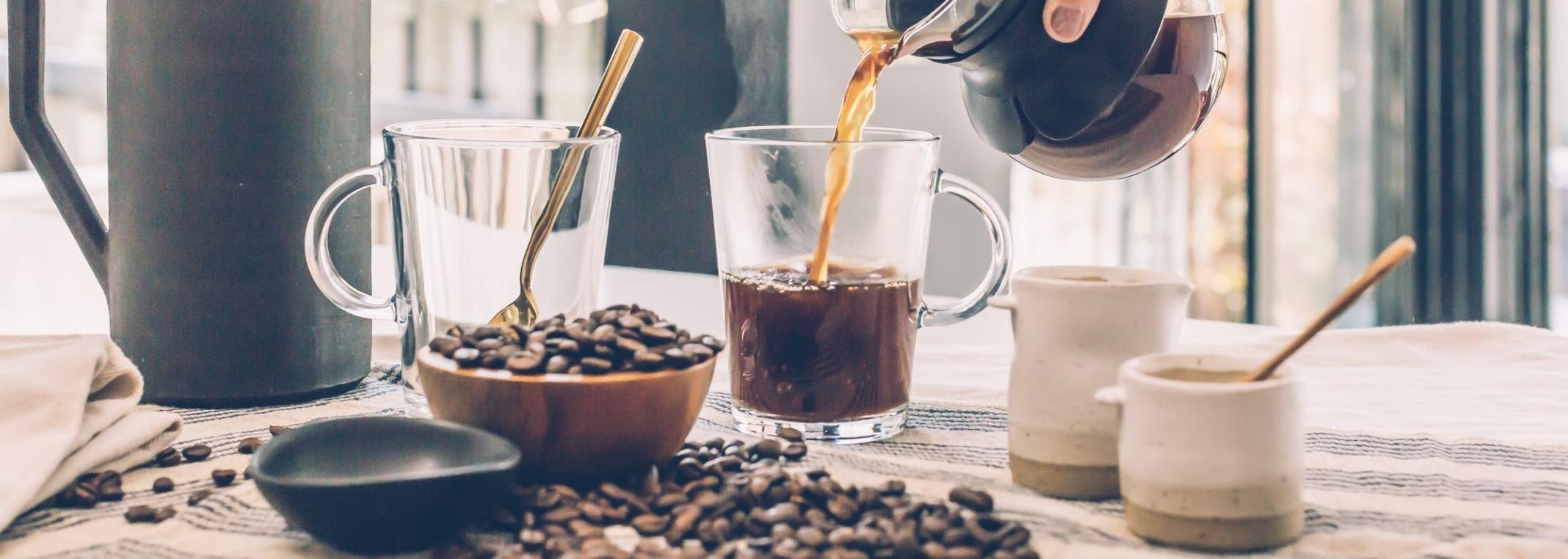 Verzichten Sie auf Kaffee, Energy-Drinks oder sonstige Koffeinqellen nachmittags oder abends