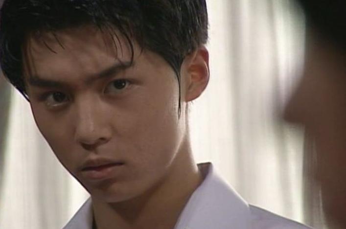 というファンも多いと言われている、ドラマ「金田一少年の事件」の時の堂本剛。髪型も表情もさわやかすぎの正統派イケメンですね!
