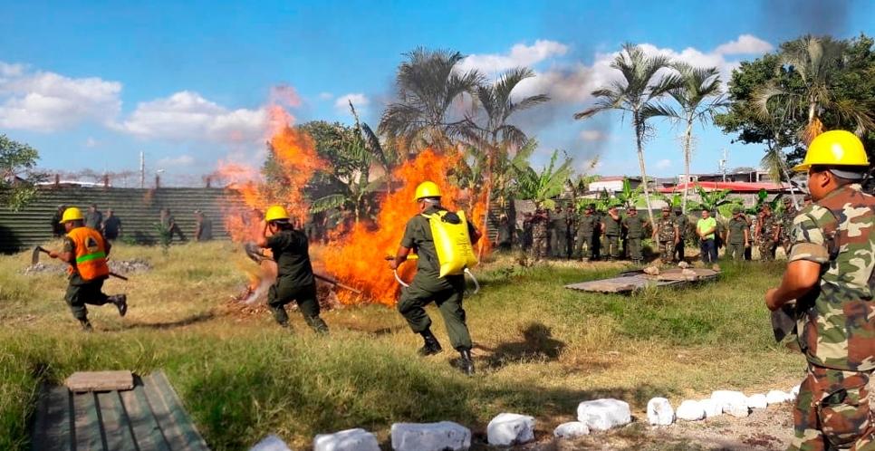 Militares se preparan en Estelí para luchar contra incendios forestales